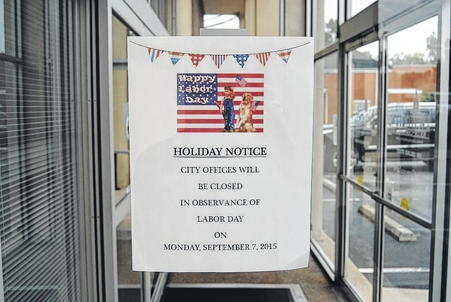 office closed for holiday sign