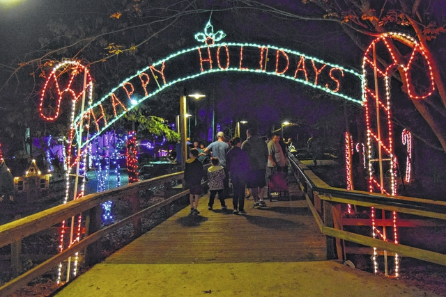 Newberry Observer | Riverbanks Zoo displays the magic of Christmas